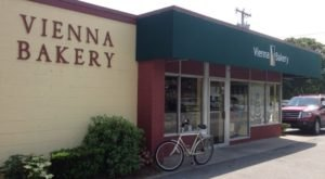 A Tiny Bakery Called Vienna Bakery In Rhode Island Makes Some Of The Best Danish Pastries