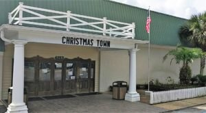 Christmas Town Is A Magical Store In Alabama Where It's Christmas Year-Round