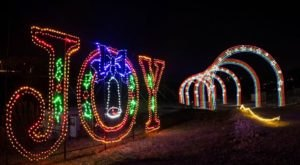 7 Drive-Thru Christmas Lights Displays In Missouri The Whole Family Can Enjoy
