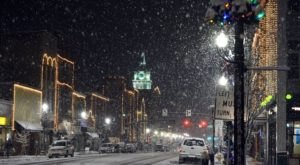 At Christmastime, This Town Near Pittsburgh Has The Most Enchanting Main Street In The Country