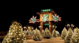 Grand Geneva Resort Just Might Be The Most Beautiful Christmas Hotel In Wisconsin