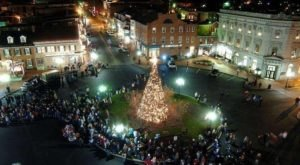 People Travel For Miles To Witness The Awesome Tree Lighting Ceremony In Gettysburg, Pennsylvania