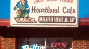 Feel Like Family When You Dig Into Homemade Meals At The Heartland Cafe In Kansas