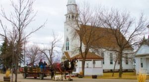 Bonanzaville, The One Christmas Town In North Dakota That's Simply A Must-Visit This Season
