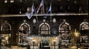 The Historic Hotel Bethlehem In Pennsylvania Gets All Decked Out For Christmas Each Year And It's Beyond Enchanting