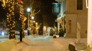 At Christmastime, This Vermont Town Has The Most Enchanting Main Street In The Country