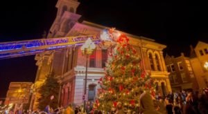 At Christmastime, Georgetown, Kentucky Has The Most Enchanting Main Street In The Country