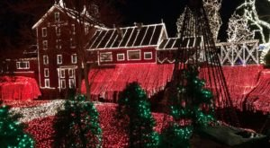 Visit Clifton, The One Christmas Town Near Cincinnati That's Simply A Must Visit This Season