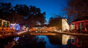 Acadian Village In Louisiana Transforms Into A Winter Wonderland This Holiday Season