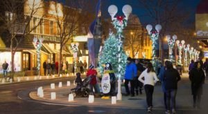 Shop And Stroll By Candlelight At The Stunning St. Joseph Luminary Festival In Michigan
