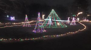 5 Drive-Thru Christmas Lights Displays In Indiana The Whole Family Can Enjoy