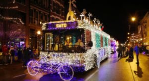 Illinoisans Won't Want To Miss The Christmas Lights Parade That's Taken Place In Our State Capital Since 1949