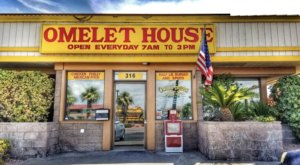 See If You Can Finish The 3-Pound Burger At Omelet House In Nevada