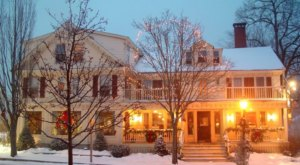 Stay Overnight In The 220 Year-Old Kennebunk Inn, An Allegedly Haunted Spot In Maine