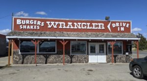 This Rough 'N Tumble Drive-In, The Wrangler, In Idaho Is Home To A Famous 2-Pound Burger