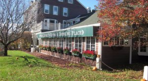 The Sunday Buffet At The Old Salt Restaurant In New Hampshire Is A Delicious Road Trip Destination