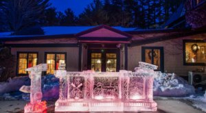 This Winter Only Bar At Stonehurst Manor In New Hampshire Is Made Entirely Of Ice And It's Astounding