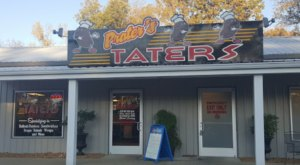The Extravagant Baked Potatoes At Prater's Taters In Tennessee Will Have Your Mouth Watering In No Time