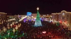 Christmas In These 9 Kansas Towns Looks Like Something From A Hallmark Movie