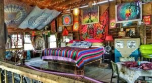 There's A Hippie-Themed Airbnb In Ohio And It's The Perfect Little Hideout
