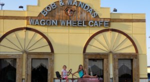 The Home Cooking At Bob & Wanda's Wagon Wheel Restaurant Will Make Any Arkansans' Mouth Water