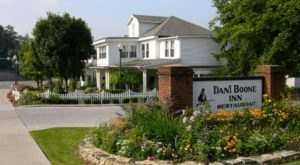 The Coziest Place For A Winter North Carolina Meal, The Daniel Boone Inn Restaurant Is Comfort Food At Its Finest