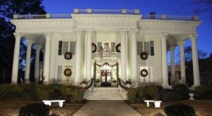 The Eufaula Christmas Tour Of Homes In Alabama Belongs On Everyone's Holiday Bucket List
