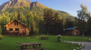 Staying At The Modern And Rustic Alaska Heavenly Lodge Is The Relaxing Experience You Need