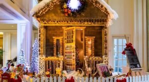 Eat Inside A Life-Size Gingerbread House In Arizona This Winter