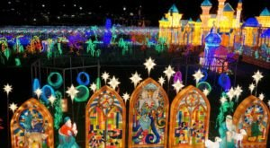 The Arizona Christmas Display That's Been Named Among The Most Beautiful In The World