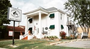 Dine On Handmade Meals In A Charming Historic Home At Harmony House In Oklahoma