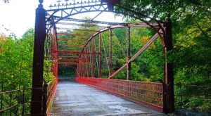 A Historic Iron Bridge Is Hiding In The Underrated Lovers Leap State Park In Connecticut