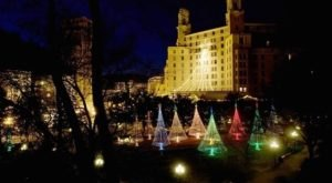 Even The Grinch Would Marvel At The Trail Of Holiday Lights At Hot Springs In Arkansas