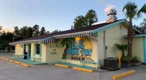 A Tiny Diner Across The Lake, Liz's Where Y'at Diner, Is A Worthy Hidden Gem Near New Orleans
