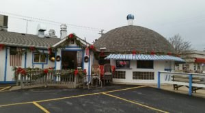 Housed In An Igloo-Shaped Building, Daddy Maxwell's Is One Of Wisconsin's Most Unique Eateries