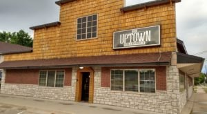 Uptown Food and Beverage Offers A Pizza Buffet In Iowa And It's A Delicious Place To Dine