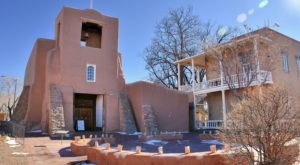 The Oldest Church In New Mexico Dates Back To The 1600s And You Need To See It