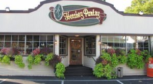 The Coziest Place For A Winter Pennsylvania Meal, The Hershey Pantry, Is Comfort Food At Its Finest