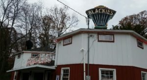 Open Since 1928, Blackie's Has Been Serving Hot Dogs In Connecticut Longer Than Any Other Restaurant