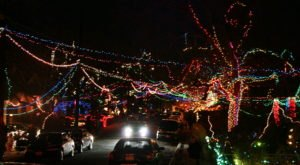 37th Street Just Might Have The Wackiest Neighborhood Christmas Light Display In All Of Texas