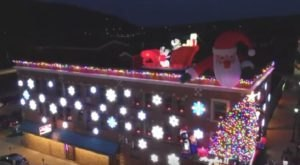 Enjoy A Holiday Meal At Angelo's II, A Restaurant Near Pittsburgh That Gets All Decked Out For Christmas