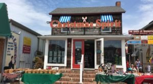 Get In The Spirit At The Biggest Christmas Store In Delaware: Christmas Spirit