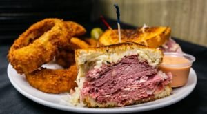 Manhattan Deli Near Cleveland Serves Up A Taste Of Time Square