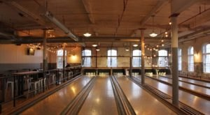 There's A Vintage Bowling Alley From The 1920s In Rhode Island Called BreakTime Bowl & Bar