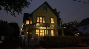 Treat Yourself To An Overnight Stay In The A Christmas Story House In Cleveland