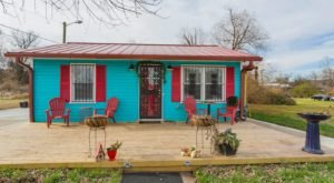 There's A Love Shack-Themed Airbnb In Nashville And It's The Perfect Little Hideout
