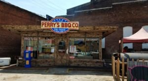 Perry's BBQ In Tennessee Has Some Of The Very Best Cafeteria-Style Food In The Nation