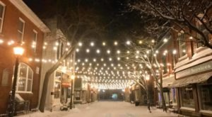 Christmas In These 9 Towns Near Detroit Looks Like Something From A Hallmark Movie