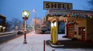 The Tiny Town Of Snoqualmie, Washington Is The Grandest Winter Wonderland You'll Ever Visit