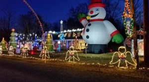 Drive Through Millions Of Lights At Finney's Christmas Wonderland Holiday Display In Arkansas